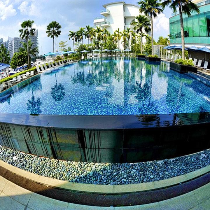 Piscina de acrílico fuera del Hotel Huilong